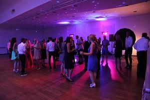 tanzende Menschen Wienecke DJ Abiball Hannover